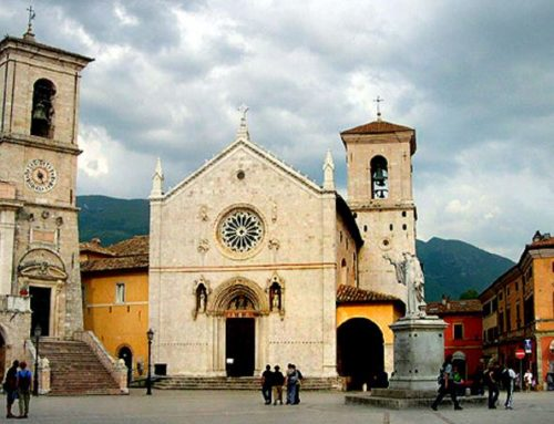 As Earthquake Deathtoll Climbs, Pope Francis Sends Fire Brigade; Monks of Norcia Ask for Prayer